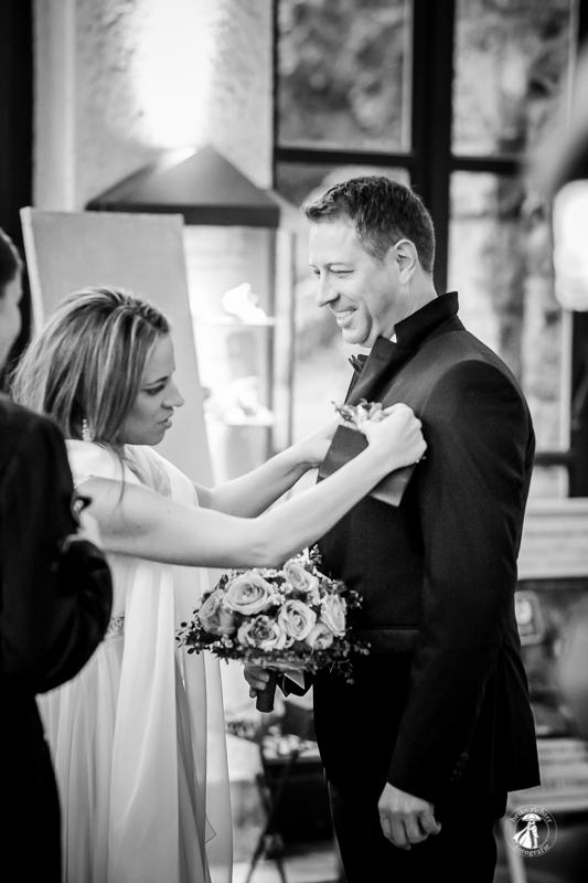 Brautpaar im Eingangsbereich der Feengrotten